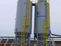 The MICROMATIC system enables the hygienic storage of petcoke.